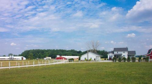 amish farm.JPG
